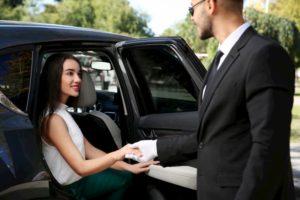 キャバクラの「送りドライバー」はキャバ嬢と付き合えるの?適切な距離感はどのくらい??