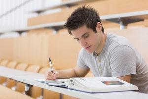 キャバクラボーイ(黒服)が大学生のバイトに最適な理由とは?