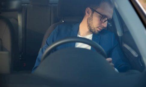 キャバクラの送りドライバーは「居眠り運転」しやすい!?「眠気撃退法」3選!!